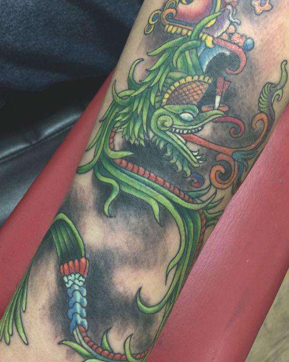 Los mejores Tatuajes de Quetzalcoatl (Serpiente emplumada) 2