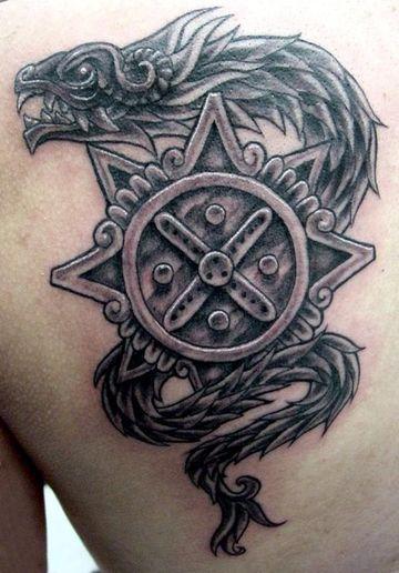 Los mejores Tatuajes de Quetzalcoatl (Serpiente emplumada) 23