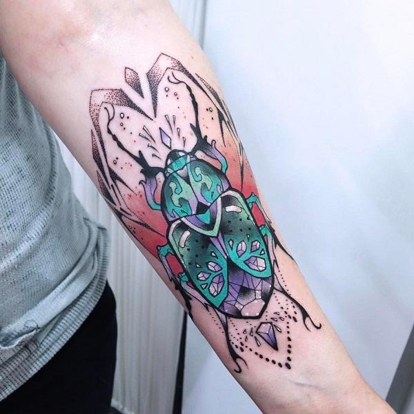 62 Ideas de Tatuajes de Escarabajos (+Significados) 40
