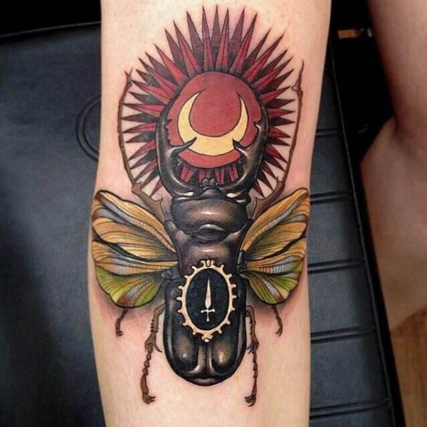 62 Ideas de Tatuajes de Escarabajos (+Significados) 46
