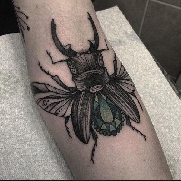 62 Ideas de Tatuajes de Escarabajos (+Significados) 47