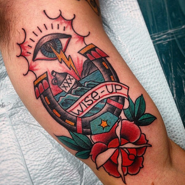 78 Ideas para Tatuajes de Herraduras (+Significado) 71