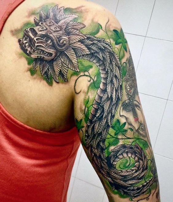 Los mejores Tatuajes de Quetzalcoatl (Serpiente emplumada) 15