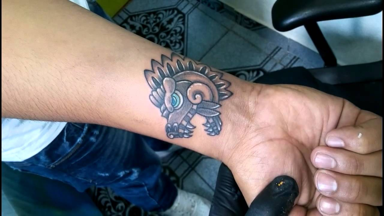 Los mejores Tatuajes de Quetzalcoatl (Serpiente emplumada) 29