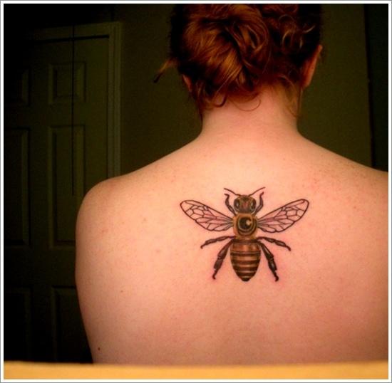 52 Ideas para Tatuajes de Abejas con Significado 16