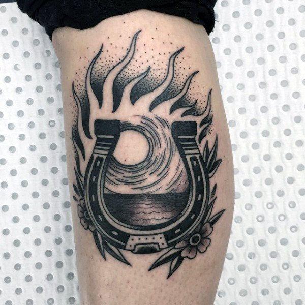 78 Ideas para Tatuajes de Herraduras (+Significado) 12
