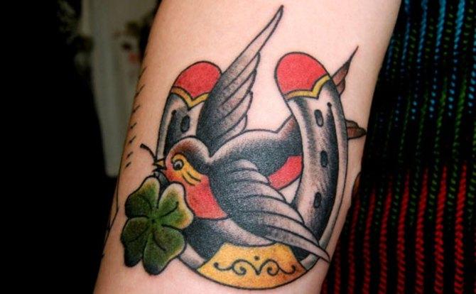 78 Ideas para Tatuajes de Herraduras (+Significado) 3