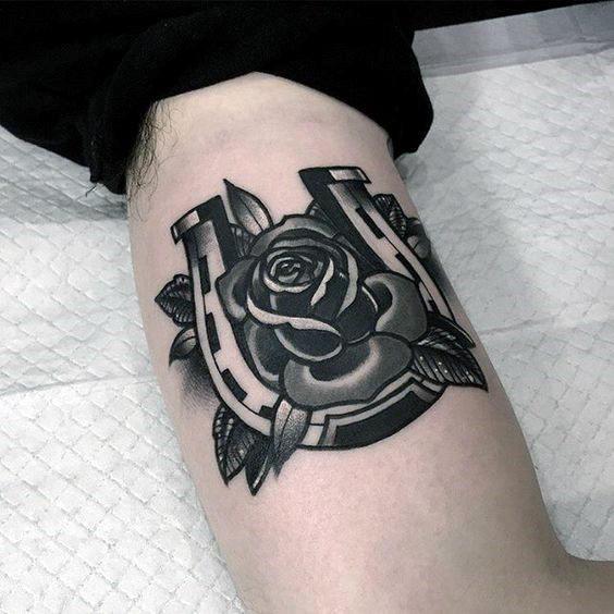 78 Ideas para Tatuajes de Herraduras (+Significado) 7