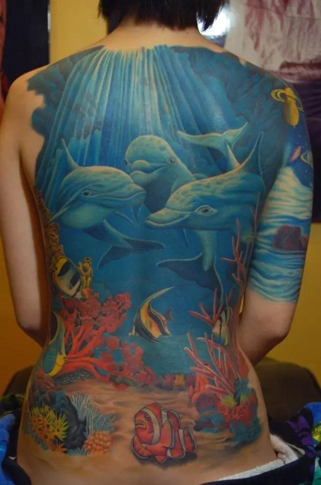 72 Ideas con Tatuajes de Delfines (+Significados) 34