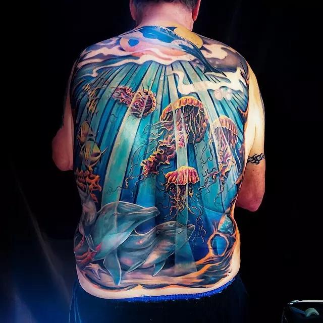 72 Ideas con Tatuajes de Delfines (+Significados) 35