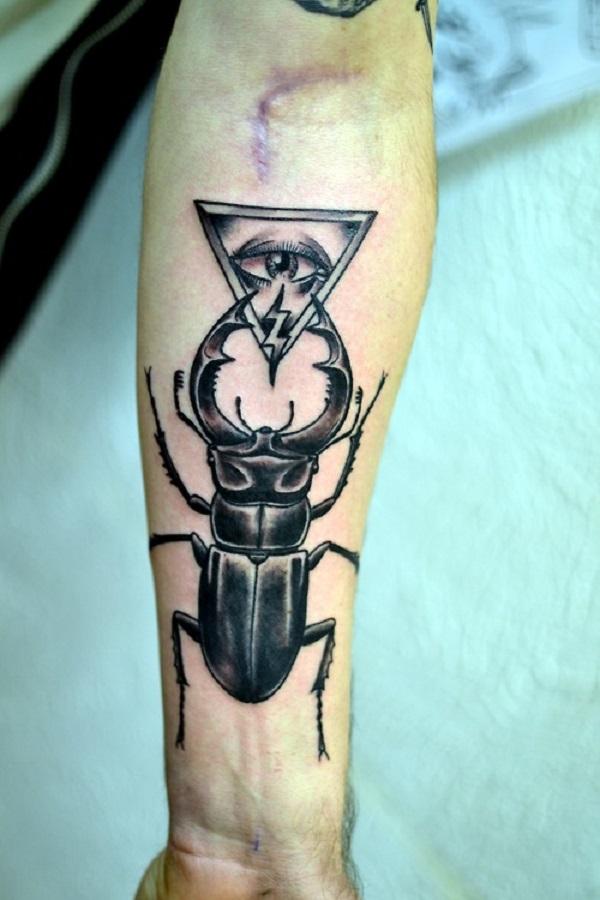 62 Ideas de Tatuajes de Escarabajos (+Significados) 11