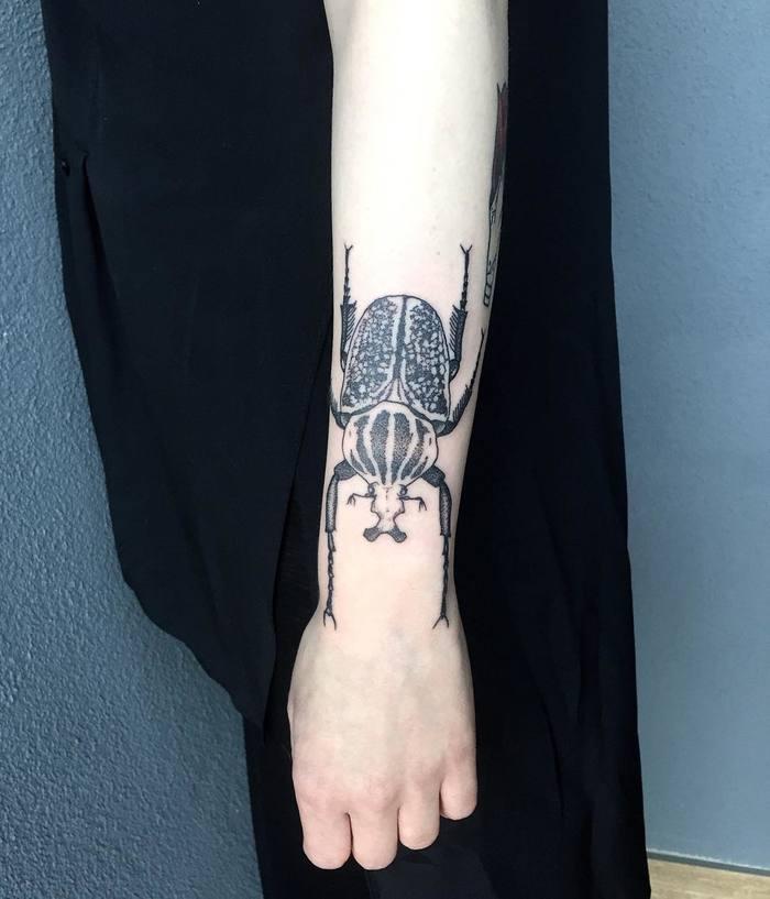 62 Ideas de Tatuajes de Escarabajos (+Significados) 21