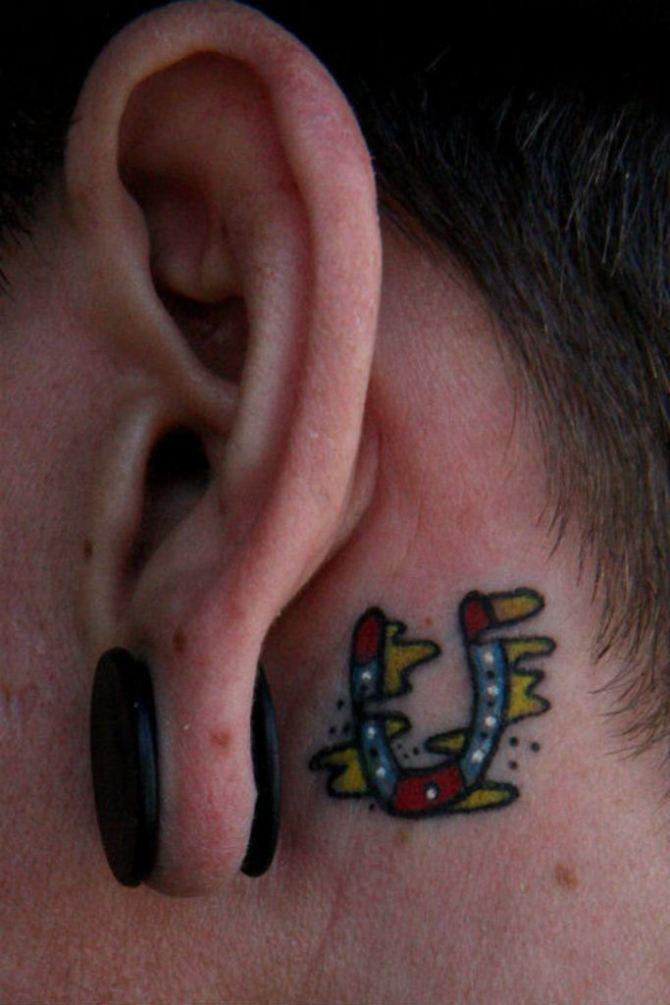 78 Ideas para Tatuajes de Herraduras (+Significado) 33