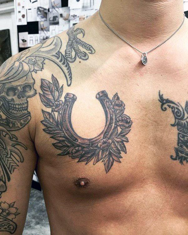 78 Ideas para Tatuajes de Herraduras (+Significado) 35