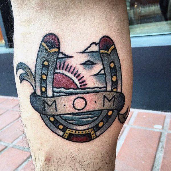 78 Ideas para Tatuajes de Herraduras (+Significado) 31
