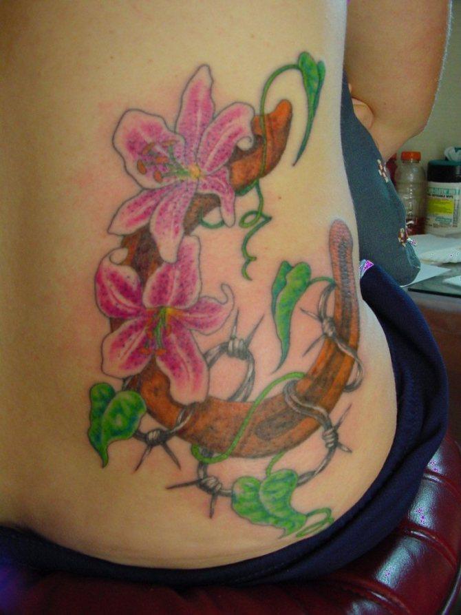 78 Ideas para Tatuajes de Herraduras (+Significado) 29