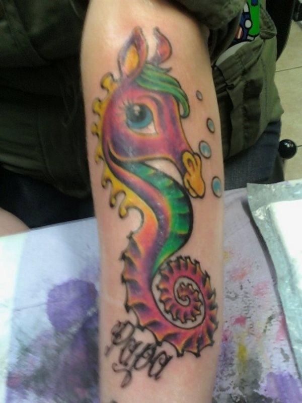 69 Ideas para Tatuajes de Caballitos de mar (+ Significado) 26