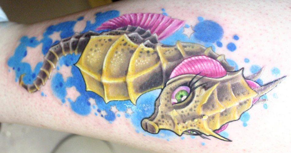 69 Ideas para Tatuajes de Caballitos de mar (+ Significado) 31
