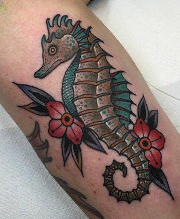 69 Ideas para Tatuajes de Caballitos de mar (+ Significado) 38