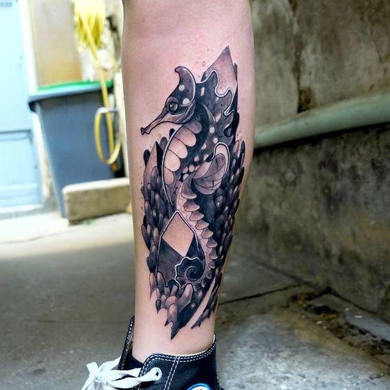 69 Ideas para Tatuajes de Caballitos de mar (+ Significado) 42