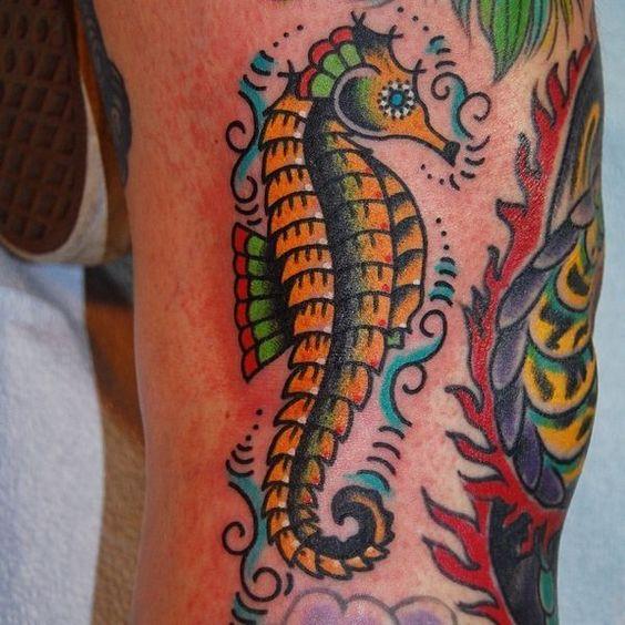69 Ideas para Tatuajes de Caballitos de mar (+ Significado) 43