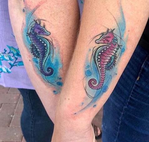 69 Ideas para Tatuajes de Caballitos de mar (+ Significado) 2