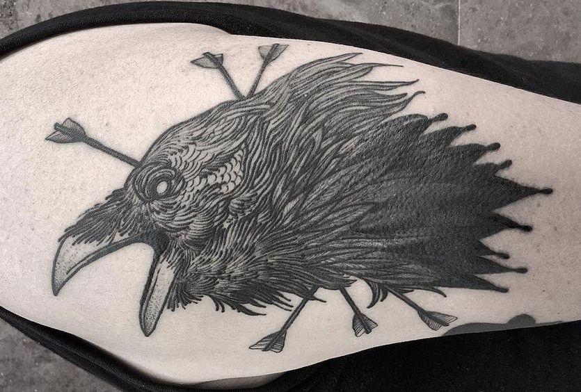 69 Ideas para Tatuajes de Cuervos (+ Significados) 24