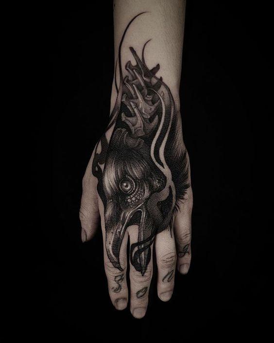 69 Ideas para Tatuajes de Cuervos (+ Significados) 12