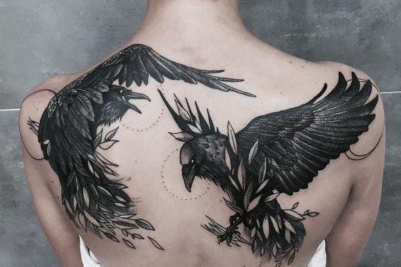 69 Ideas para Tatuajes de Cuervos (+ Significados) 49