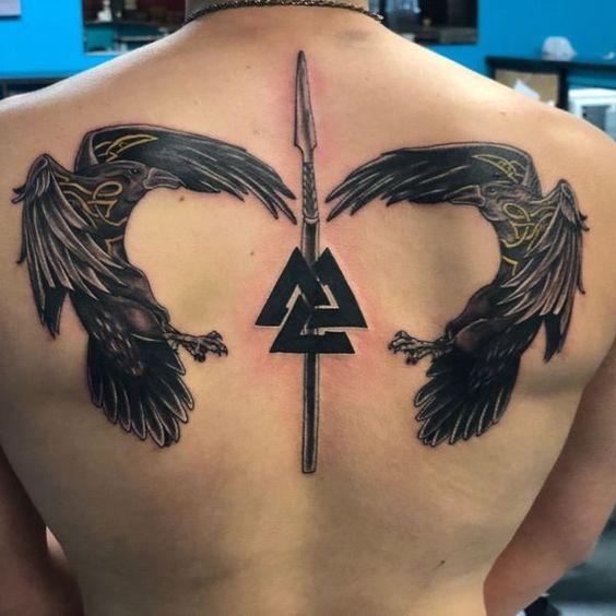 69 Ideas para Tatuajes de Cuervos (+ Significados) 50