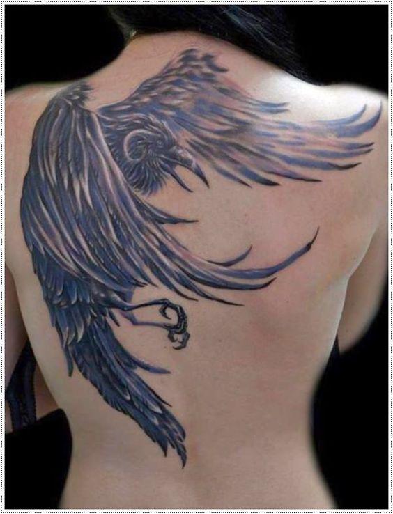 69 Ideas para Tatuajes de Cuervos (+ Significados) 51