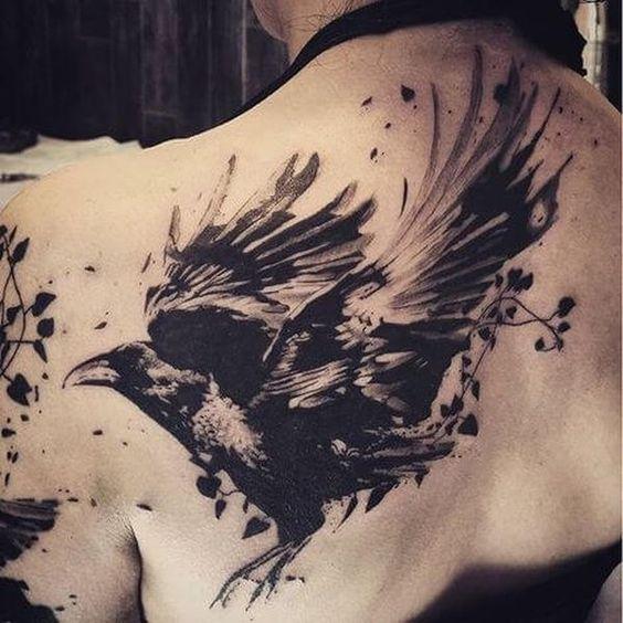 69 Ideas para Tatuajes de Cuervos (+ Significados) 53