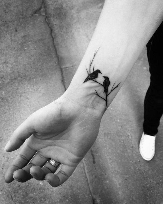 69 Ideas para Tatuajes de Cuervos (+ Significados) 20