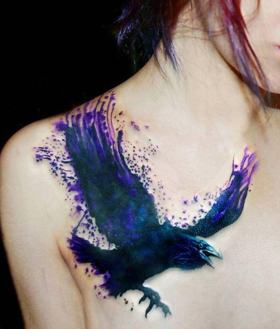 69 Ideas para Tatuajes de Cuervos (+ Significados) 37
