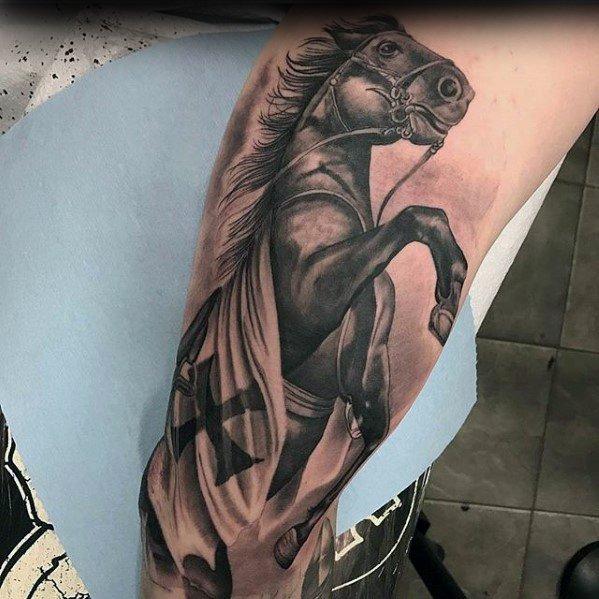 73 Ideas para Tatuajes de Caballos (+ Significados) 28