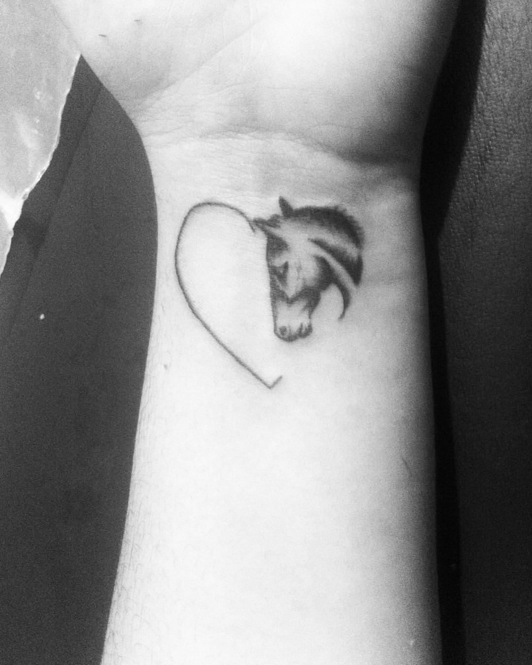 73 Ideas para Tatuajes de Caballos (+ Significados) 18