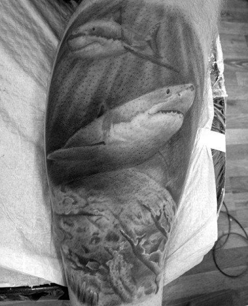 82 Mejores Tatuajes de Tiburones con Significados 20