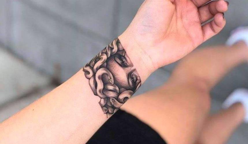 Tatuajes de Medusas: 50 Ideas y sus Significados (+Leyenda) 42