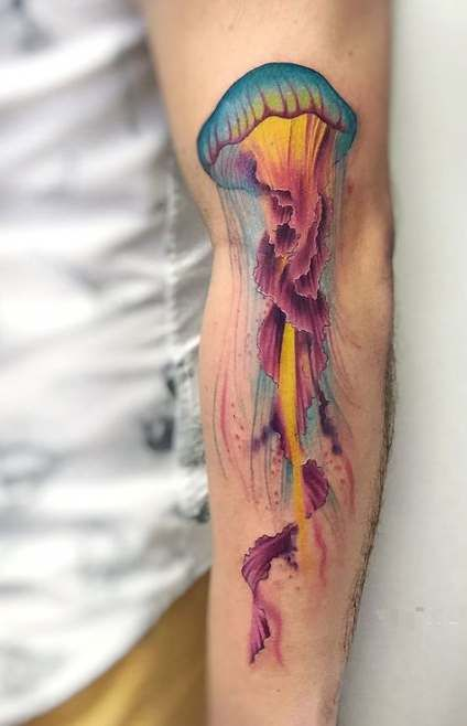 Tatuajes de Medusas: 50 Ideas y sus Significados (+Leyenda) 32