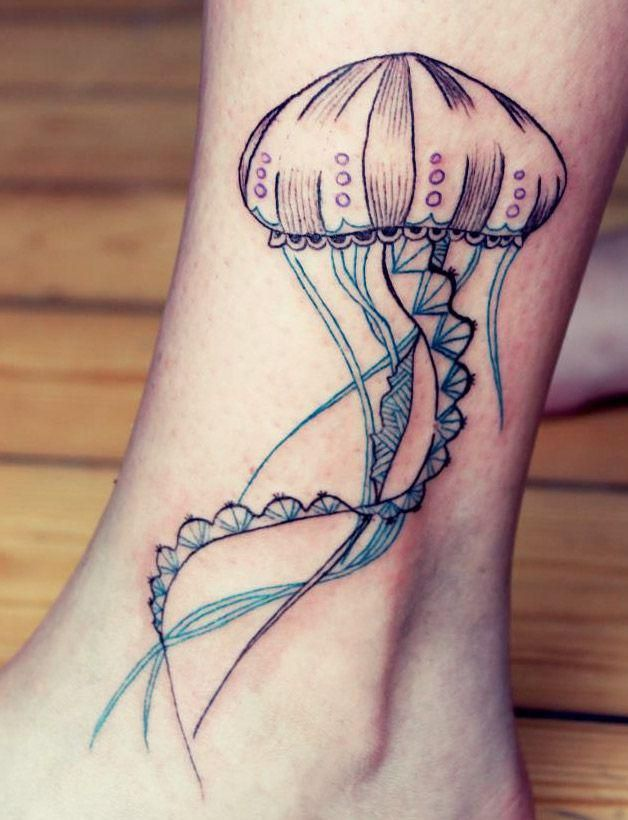 Tatuajes de Medusas: 50 Ideas y sus Significados (+Leyenda) 17