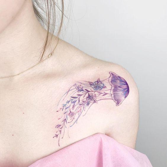 Tatuajes de Medusas: 50 Ideas y sus Significados (+Leyenda) 21