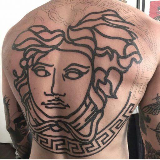 Tatuajes de Medusas: 50 Ideas y sus Significados (+Leyenda) 36