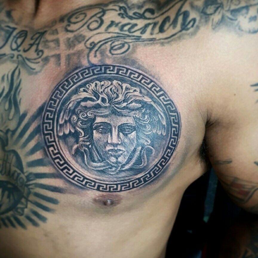 Tatuajes de Medusas: 50 Ideas y sus Significados (+Leyenda) 37