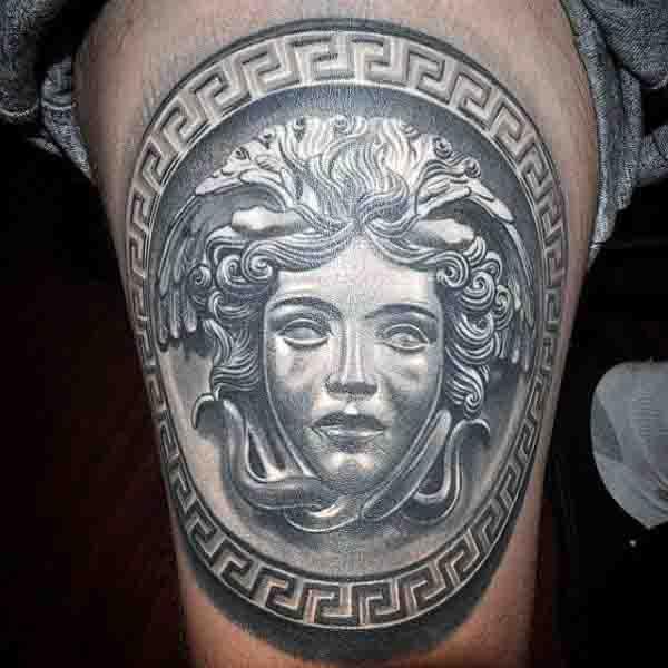 Tatuajes de Medusas: 50 Ideas y sus Significados (+Leyenda) 41