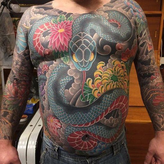 101 Ideas de Tatuajes de Serpientes y sus Significados 75