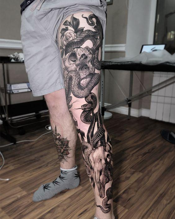 101 Ideas de Tatuajes de Serpientes y sus Significados 27