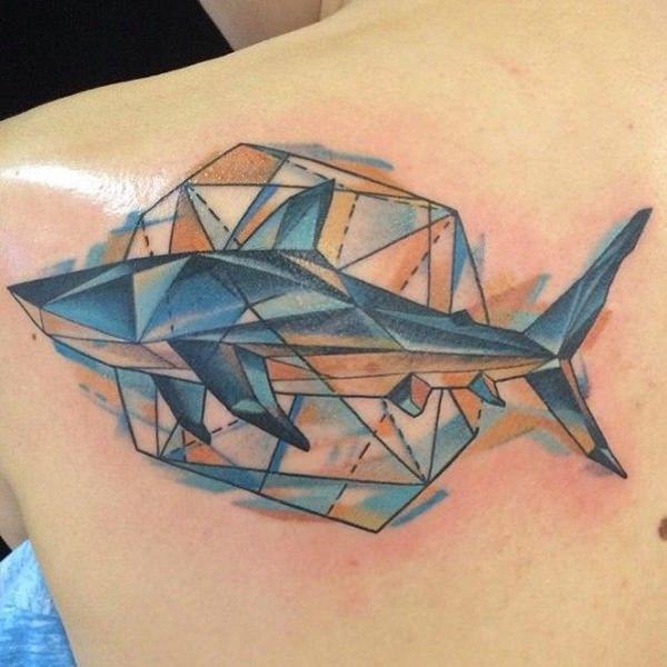 82 Mejores Tatuajes de Tiburones con Significados 48