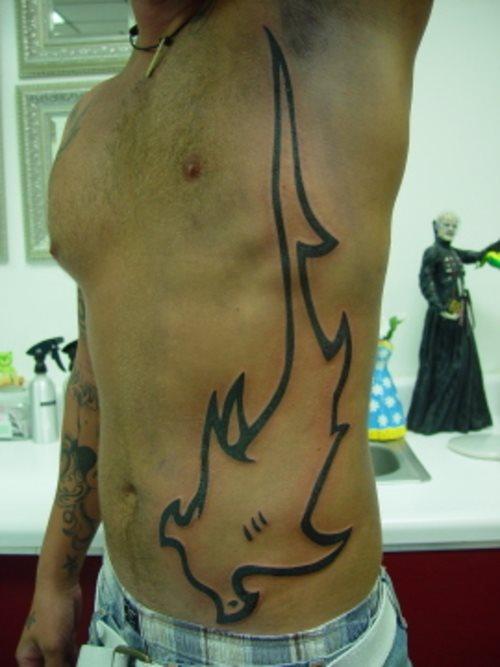 82 Mejores Tatuajes de Tiburones con Significados 40