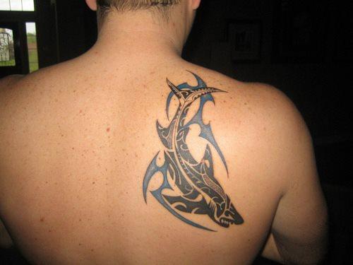 82 Mejores Tatuajes de Tiburones con Significados 54