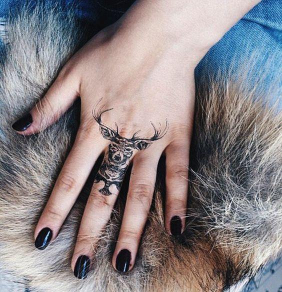 72 Ideas para Tatuajes de Venados (Con Significados) 4
